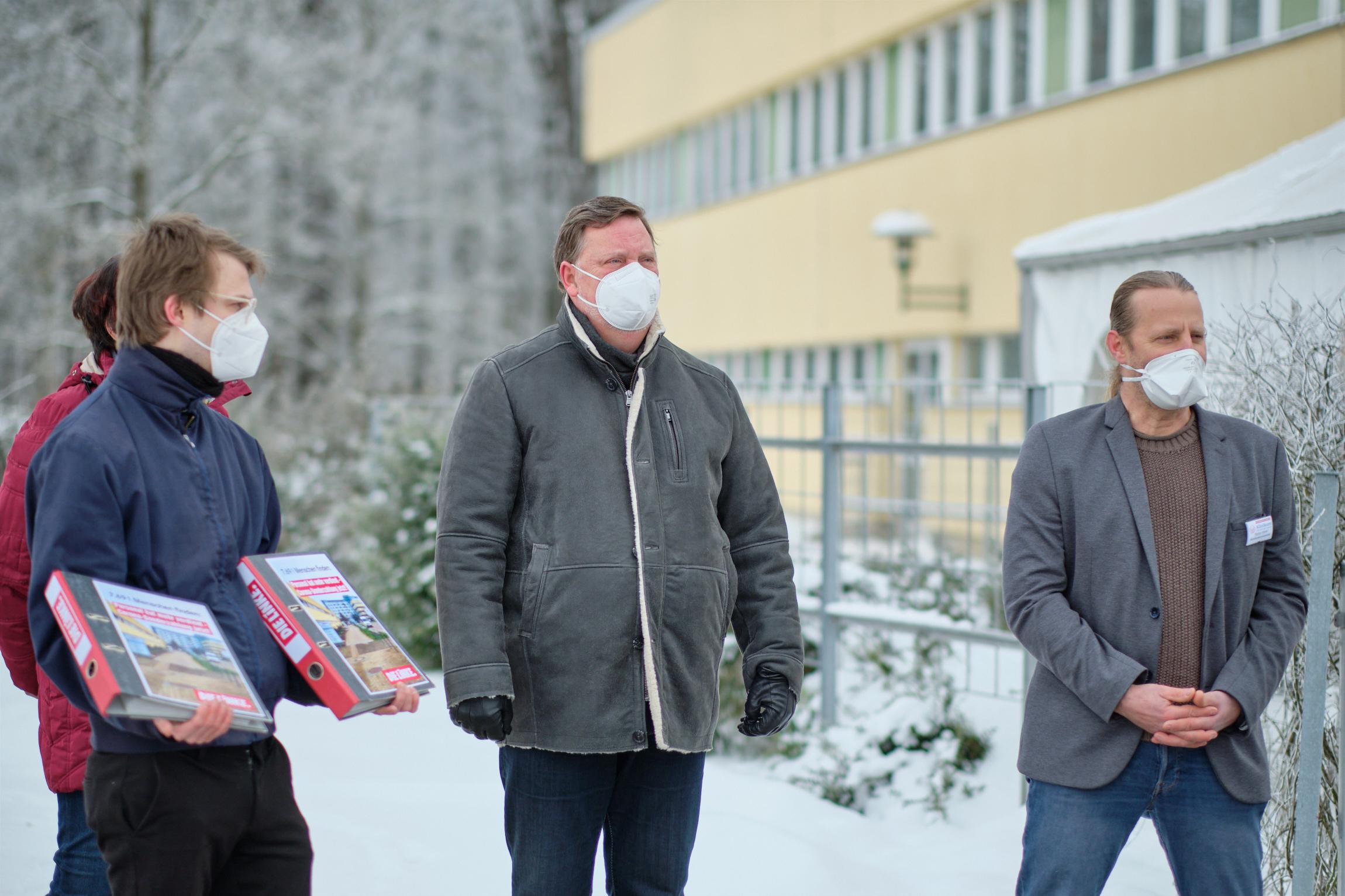 Stefan Kunath, Frank Ploss (verdi) und Stefan Härtel (Betriebsrat)